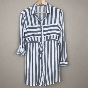 Love Notes black and white stripped button up top